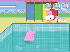 Папа Свин в бассейне